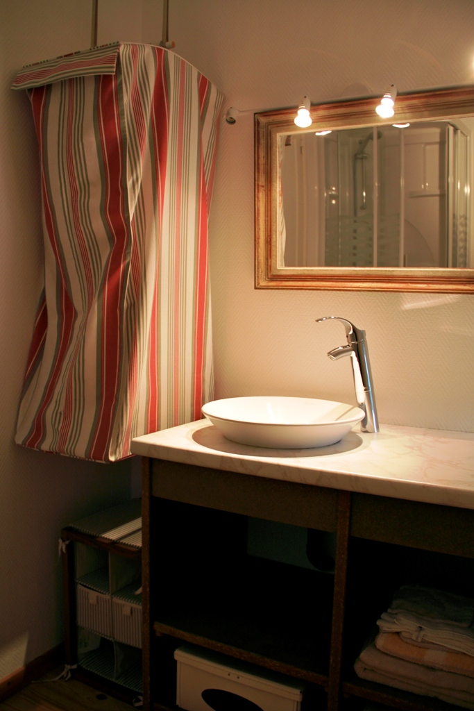 gite-paysant-le-roux-13-salle-de-bain-1