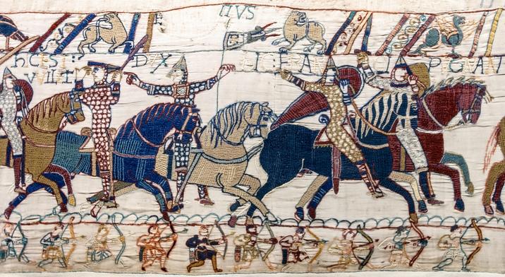 Tapisserie de Bayeux - Scène 55 : le duc Guillaume se fait reconnaître.